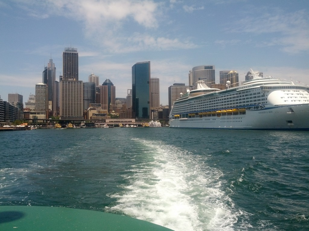Pulling away from Circular Quay on the Manly Ferry